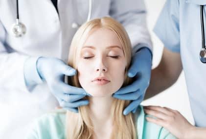 ניתוחים באף בגיל 15
